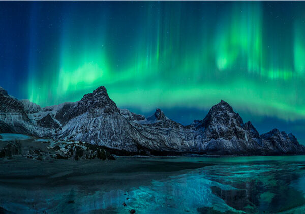Northern light above Norwegian mountains - Audun Rikardsen